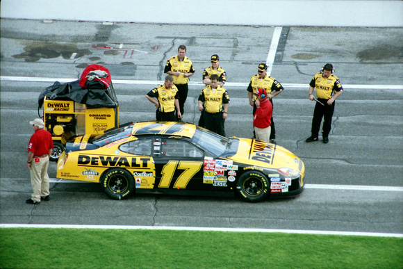 NASCAR Cup Series Matt Kenseth 17 DeWalt Power Tools Ford Taurus qualifying 2003 Daytona 500